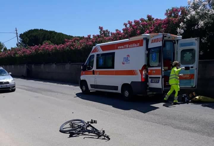 Siracusa, ciclista di 16 anni travolto da un'auto a Fontane Bianche