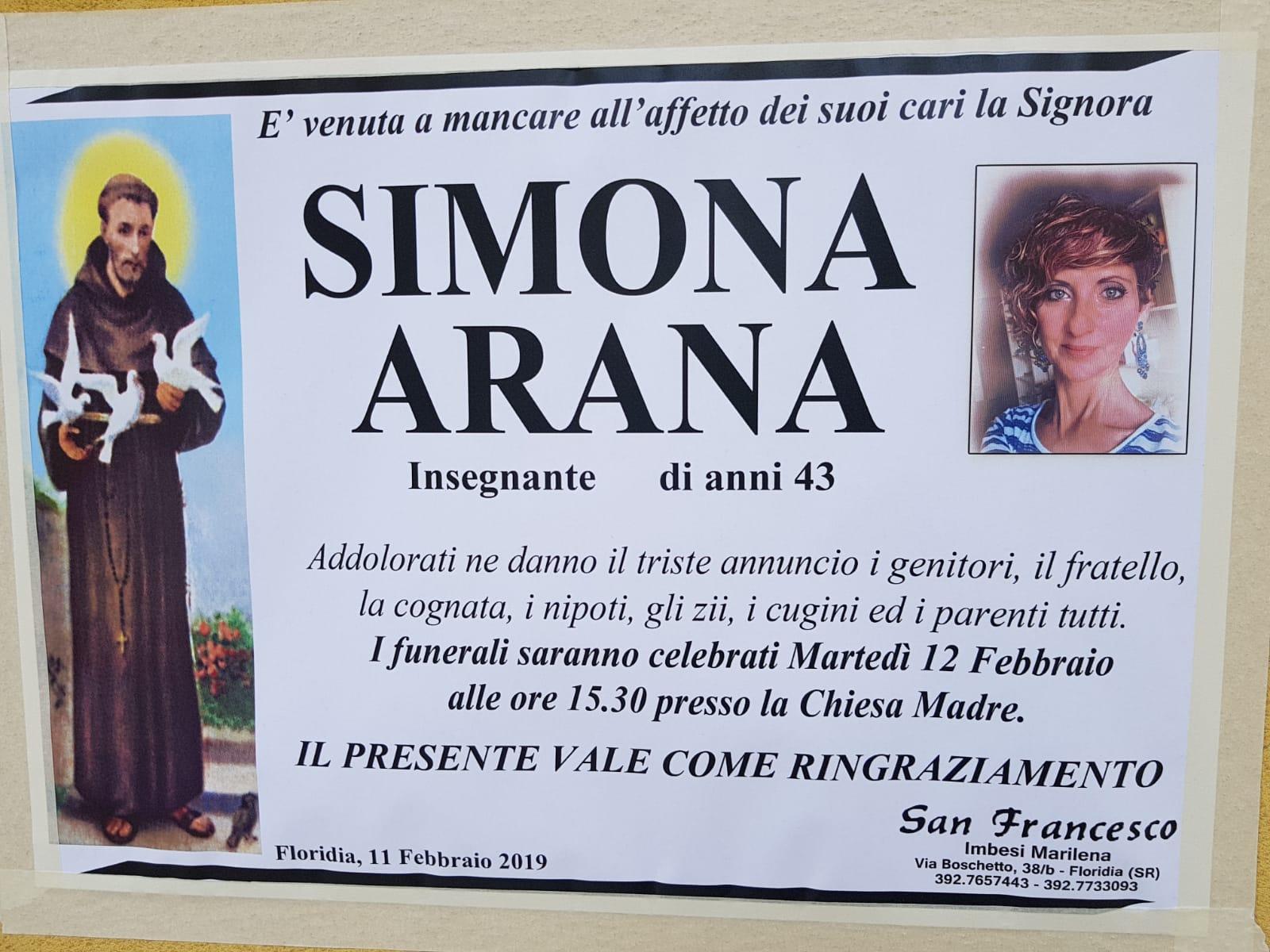 Pure gli amici del canto ai funerali dell'insegnante di Floridia morta suicida