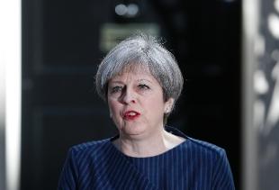"""Gran Bretagna, annuncio a sorpresa di May: """"Elezioni 8 giugno"""""""