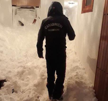 Valanga su un palazzo a Sestriere, evacuate sette famiglie