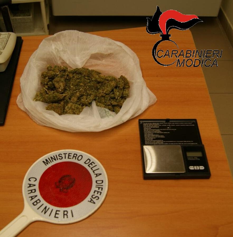 Ispica, gli trovano la marijuana in casa: ancora arresti domiciliari