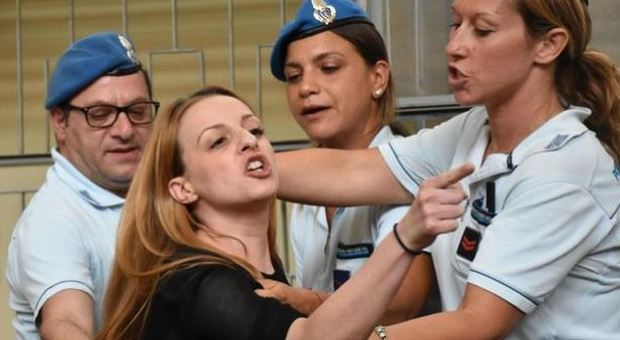 Catania, Veronica citata a giudizio per le minacce al nonno di Loris