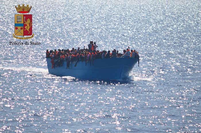 Migranti, ieri lo sbarco col neonato morto: fermati 2 eritrei a Pozzallo