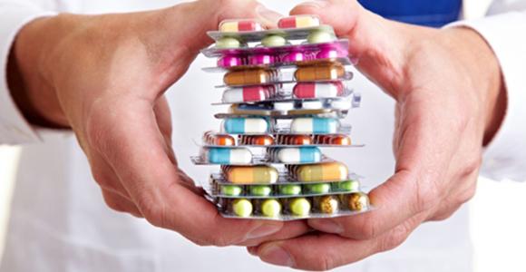 Carlentini, ruba i medicinali dalla farmacia in cui lavora: preso