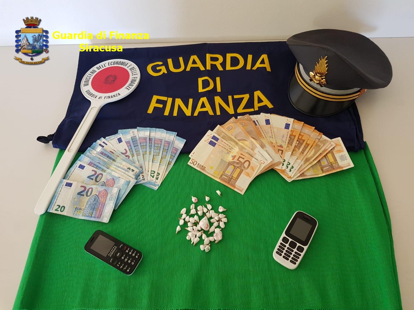 Soldi cash e 45 dosi di cocaina, arrestato giovane di Lentini