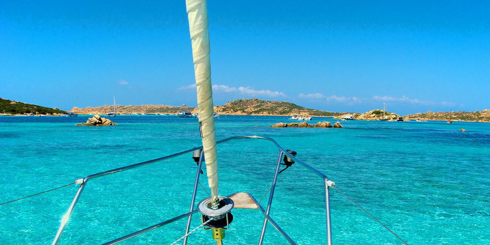Vacanze in barca a vela in Italia, le mete da sognare per il 2021