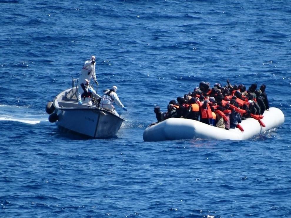 Gommoni nel Mediterraneo, Salvini contro Malta