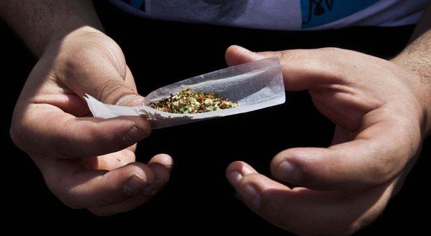 Lentini, segnalato in Prefettura per modica quantità di droga