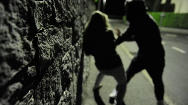 Catania, aggredisce la compagna davanti al figlio minore: arrestato