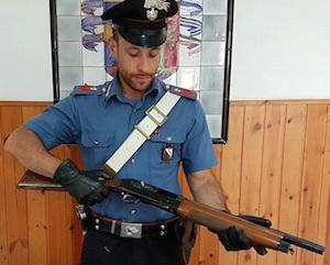 Noto, ricettazione di un fucile Beretta: arrestato