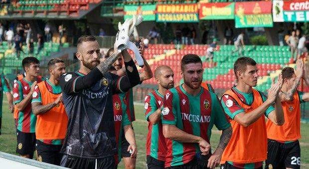 Il Catania si fa male da solo: a Terni: rossazzurri ancora battuti (3 a 2)