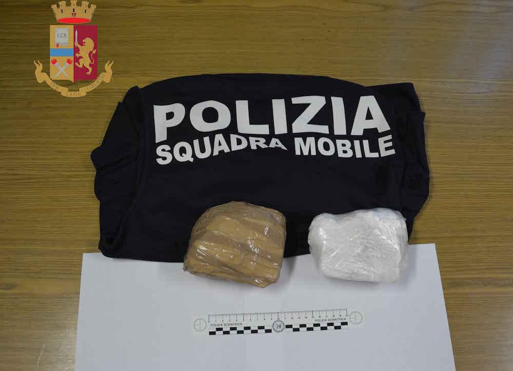 Droga, coppia fermata a Vittoria con un chilo di cocaina