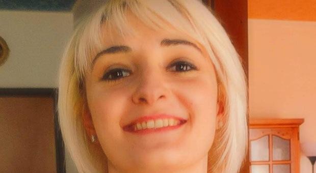 Pordenone, uccise padre, madre e sorellina per l'assicurazione: condannata all'ergastolo
