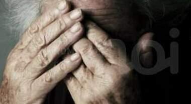 Avola, minaccia i genitori: ai domiciliari per maltrattamenti in famiglia