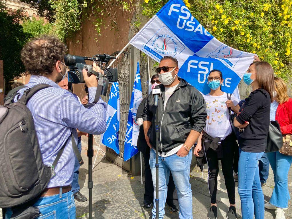 Licenziamenti all'Istituto Bellini di Catania, sit-in di protesta della Fsi-Usae