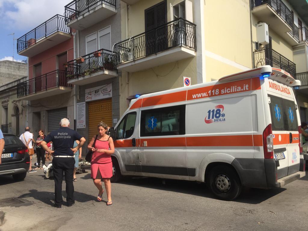 Floridia, scontro tra un'auto e uno scooter: ragazza rimane ferita