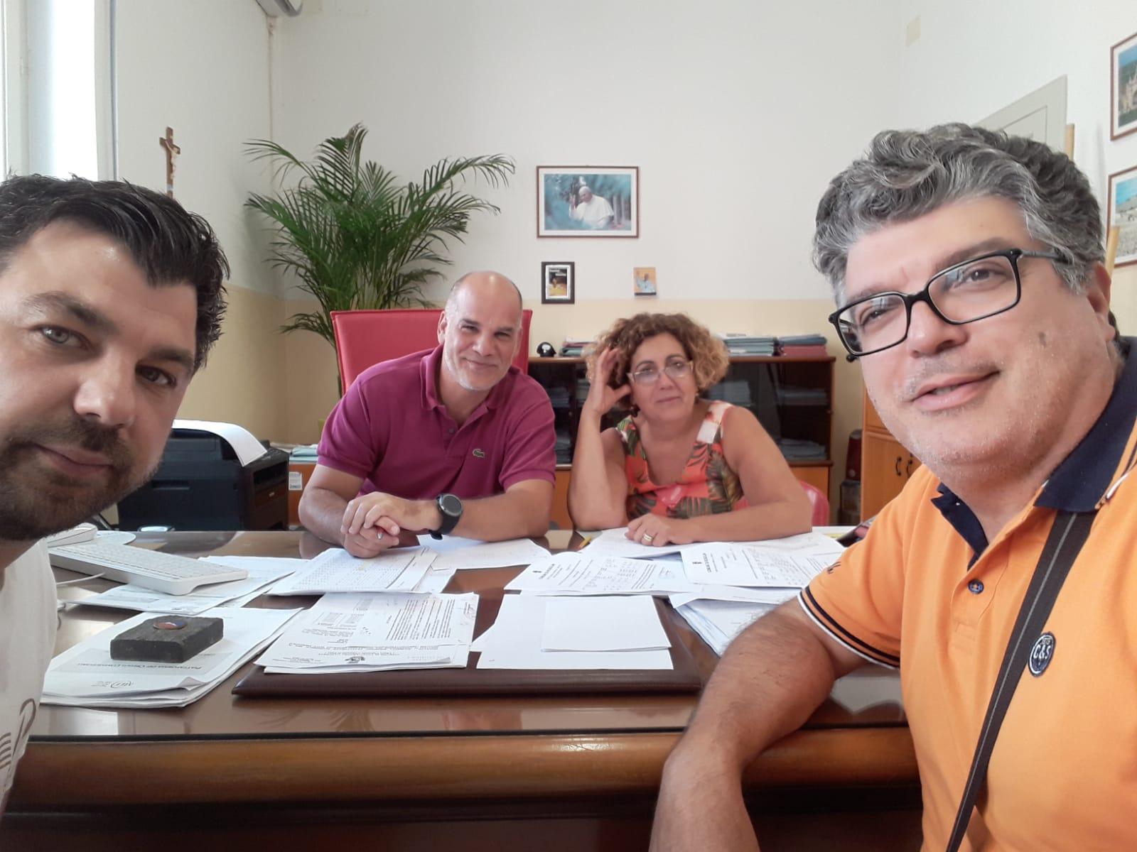 Tensioni a Rosolini per gli stipendi dei comunali, Movimento chiede un Consiglio aperto