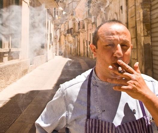 Mulino in fiamme nel Ragusano, 8 chef si prodigano per rilanciarlo