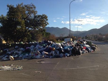 Abbandono dei rifiuti, altre multe della municipale di Palermo