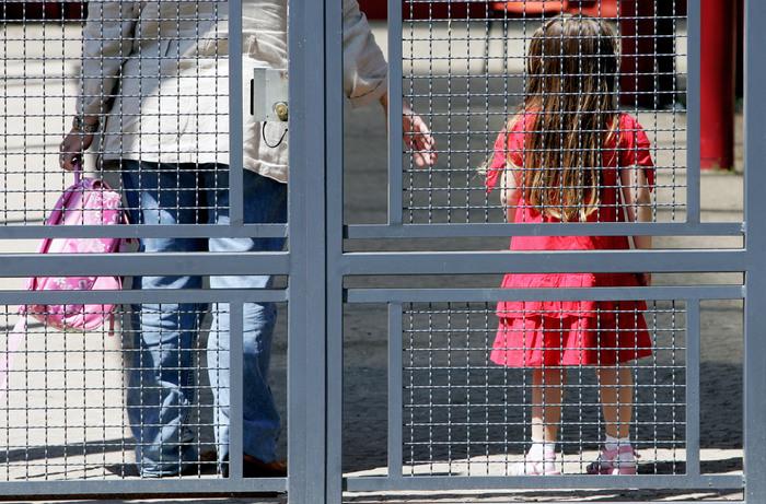 Abusi su bambine a Roma: arrestato maestro di 25 anni