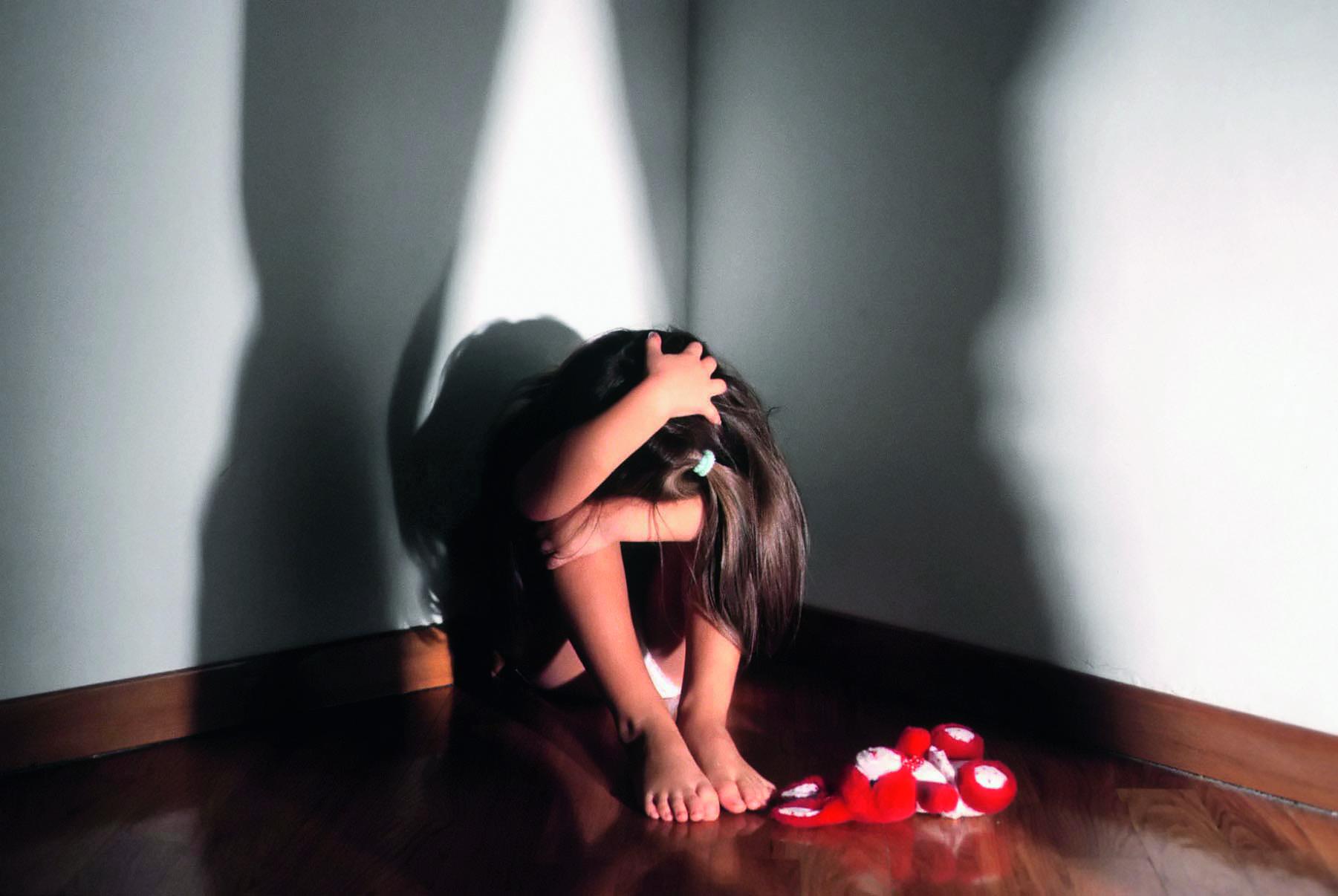 Bracciante di Canicattì' arrestato per abusi sulla figlia tredicenne