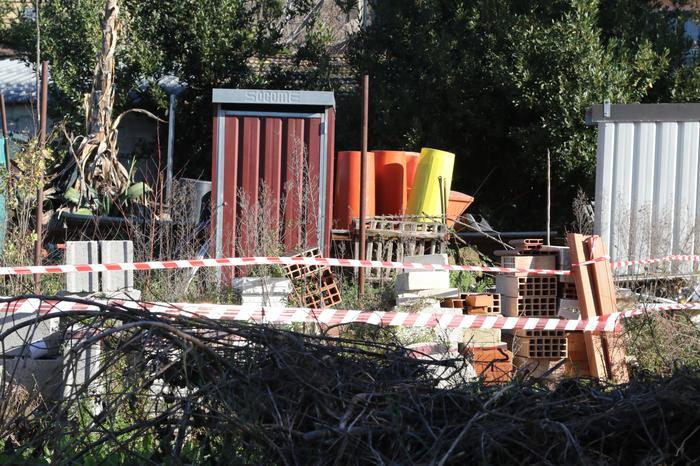 Mariglianella, il padre di Luigi Di Maio abbatte strutture abusive