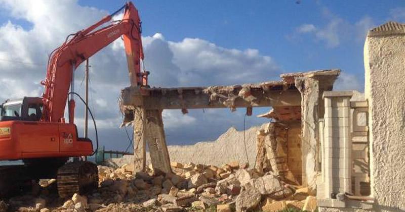 Abusivismo edilizio, Siracusa partecipa bando demolizioni