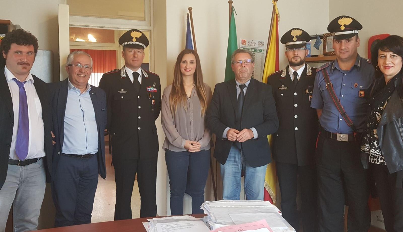 Acate, il sindaco incontra i vertici dell'Arma e il questore di Ragusa