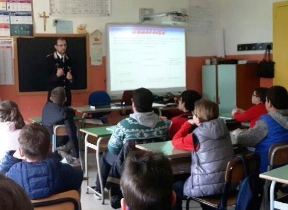 Legalità, i carabinieri di Vittoria incontrano gli studenti di Acate