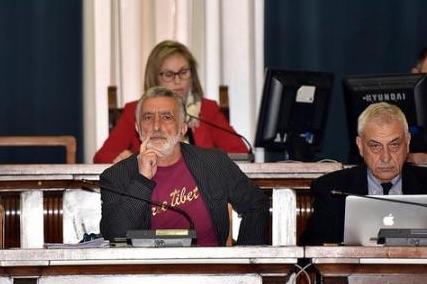 La sfiducia al sindaco di Messina, si va a oltranza nella notte