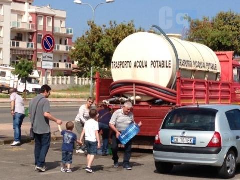 Enna, l'acqua torna ma è ancora torbida: vietata la potabilità