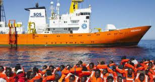 Nave Aquarius con 110 migranti a bordo in arrivo a Pozzallo