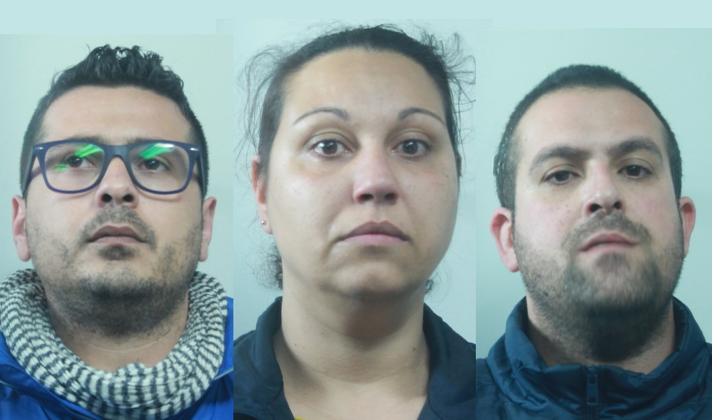 Catania, si spacciano per poliziotti e derubano coppia di anziani: tre arresti