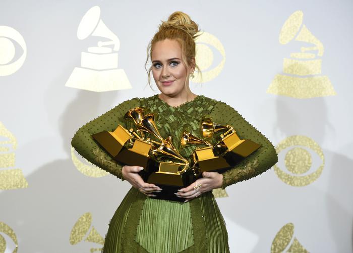 Grammy Awards 2017: trionfa Adele, nessun premio per l'Italia