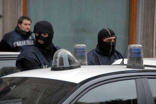 """'Ndrangheta: preso un 38enne, """"mente finanziaria"""" clan del Crotonese"""