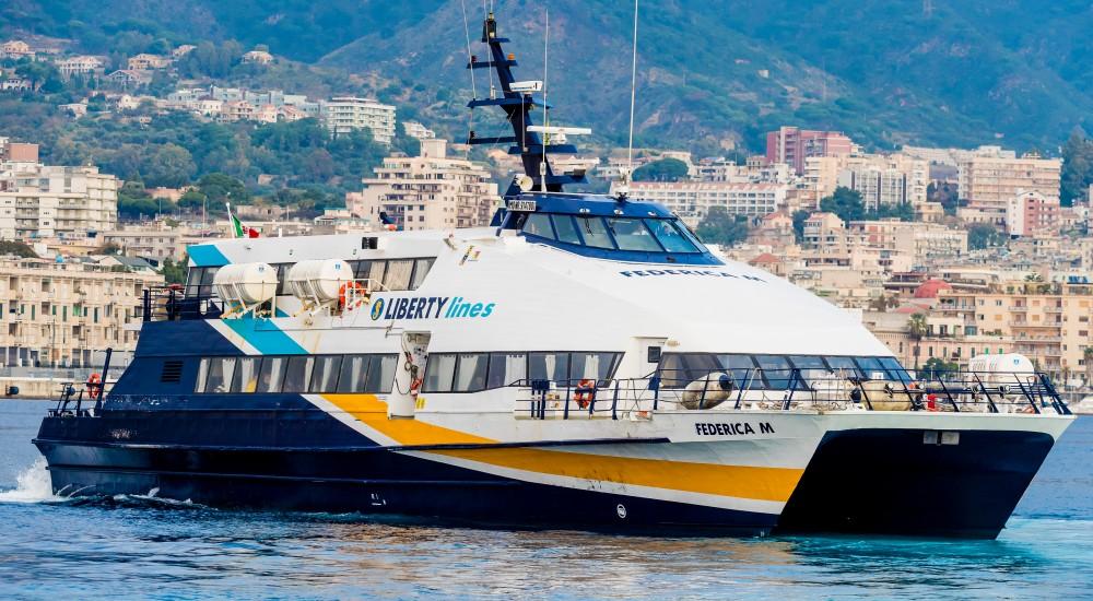Trasporto marittimo, a luglio in funzione Admiral 250 'Carmine' per le Eolie