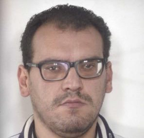 Adrano, trovato con 96 dosi di cocaina: arrestato