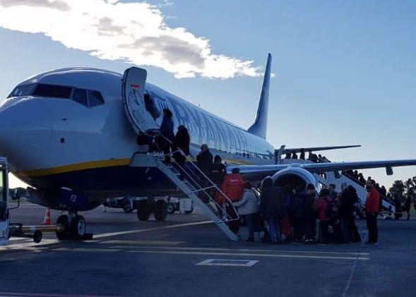 Si attenua l'eruzione dell'Etna, riaperti tutti gli spazi aerei su Catania