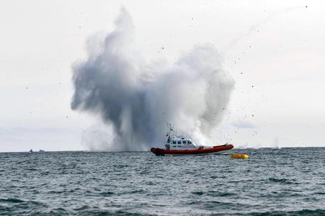 Terracina, caccia militare si schianta in mare durante un Air show