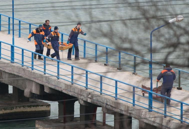 Aereo russo, ritrovati 17 corpi e oltre 1.500 resti umani