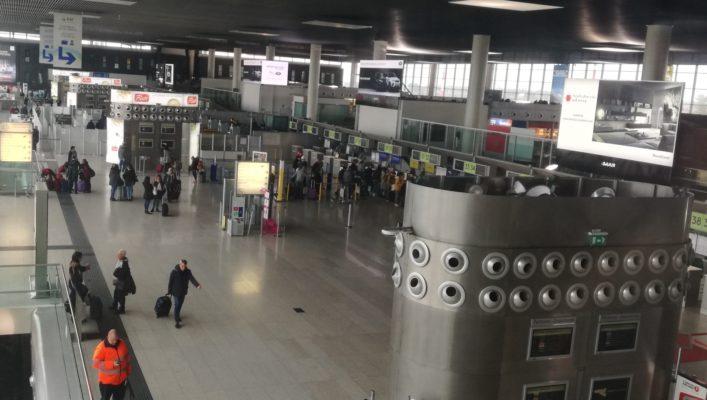 Ruba un borsone all'aeroporto di Catania: denunciata