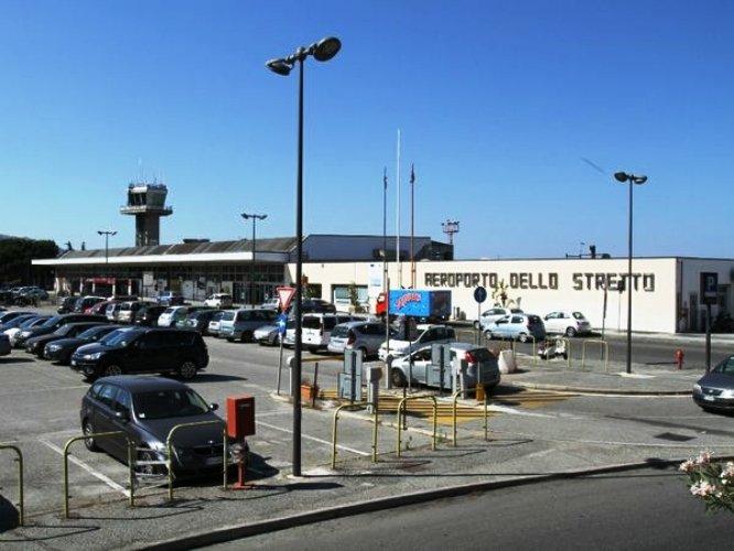 Il sindaco di Reggio Calabria scrive al ministro: no alla chiusura dell'aeroporto