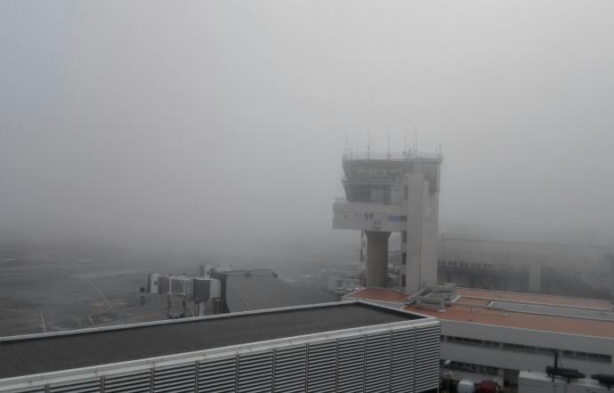 Voli sospesi a Catania, l' aeroporto chiuso per  la nebbia