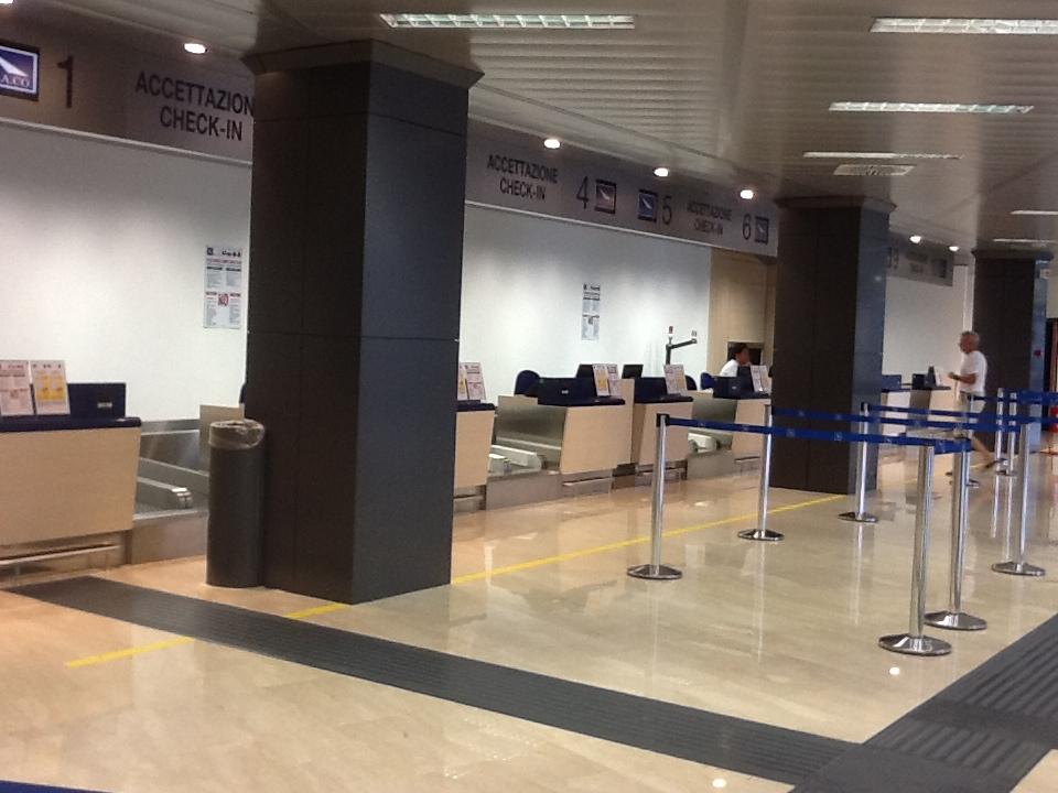 Comiso, fuma in aeroporto: multa di oltre 200 euro comminata ad un passeggero