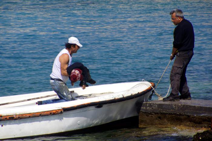 Naufragio nel Mar Egeo, morti sei bambini afghani