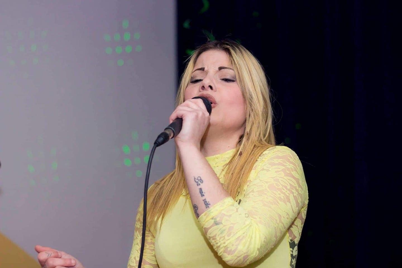 Concerto neomelodico abusivo a Catania, indagati 10 cantanti e 3 manager