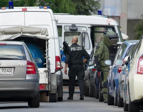 Monaco, aggredisce passeggeri: 1 morto e 3 feriti