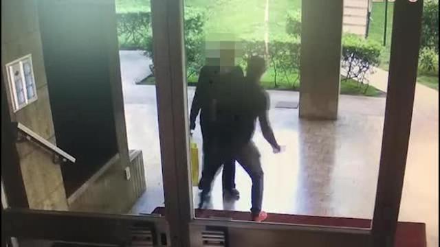 Anziano aggredito e rapinato a Milano, è in gravi condizioni