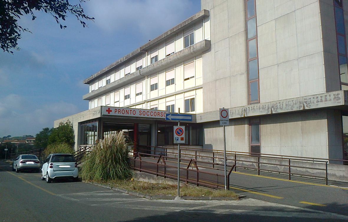 Aggressioni in ospedale, medico picchiato ad Acireale