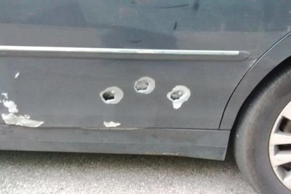 Spara contro un'auto parcheggiata, arrestato nel Trapanese